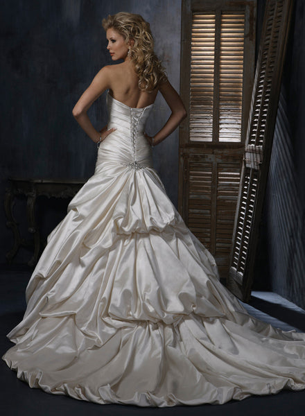 Kendra by Maggie Sottero (size 6/30-32)