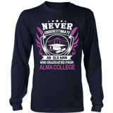 Never underestimate an old man who graduated from Alma College T-Shirt - Vietees Shop Online