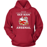 Never Underestimate an Old Man who supports Arsenal T-shirt - Vietees Shop Online