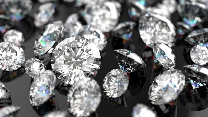 Diamond vs. Cubic Zirconia: How to Tell the Difference?
