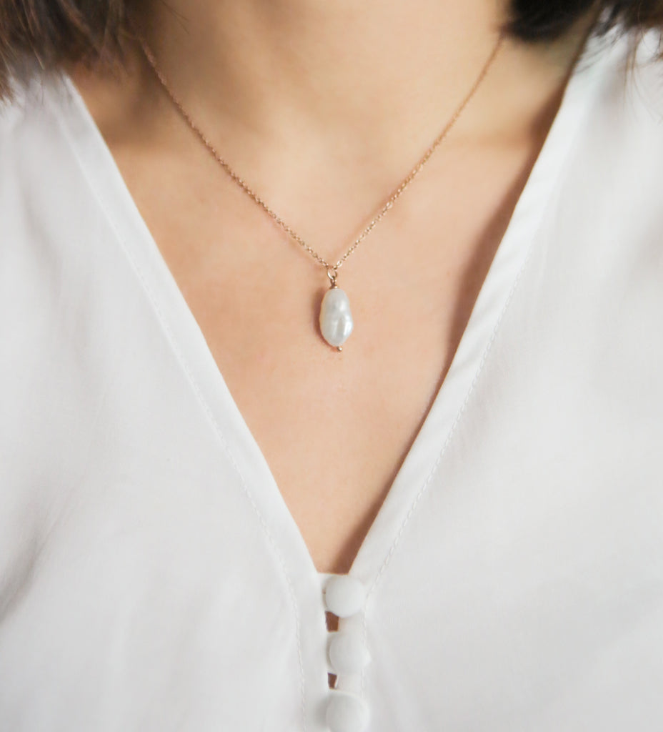 Waterdrop Pearl Necklace