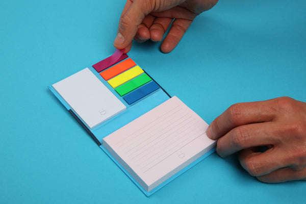 Image of sticky notes being removed from Essentials notespod
