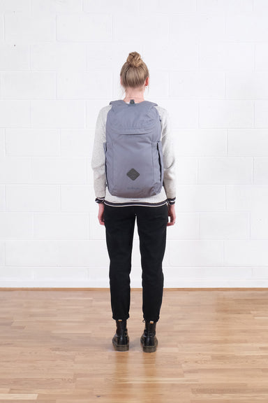Behind The Seams | Oli the Zip Pack (25L)