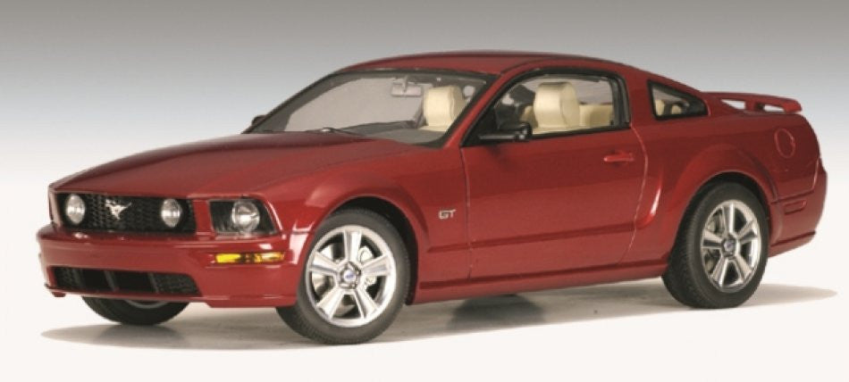 Ford Mustang GT 2005 AUTOart Performance 1/18