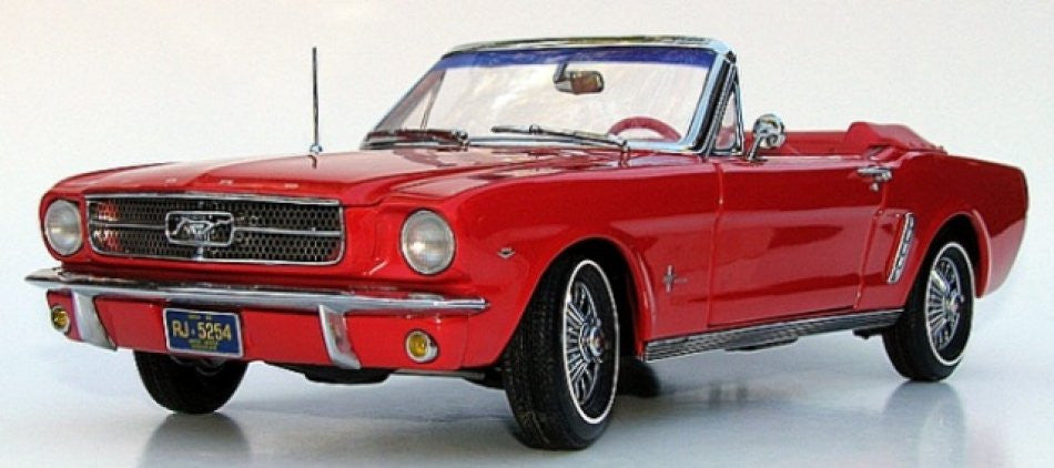 Ford Mustang Convertible 1964 ½ ERTL Precision 100 Collection 1/18