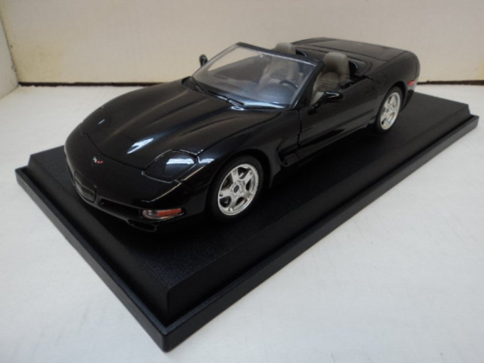 Chevrolet Corvette Convertible 1997 Burago 1/18