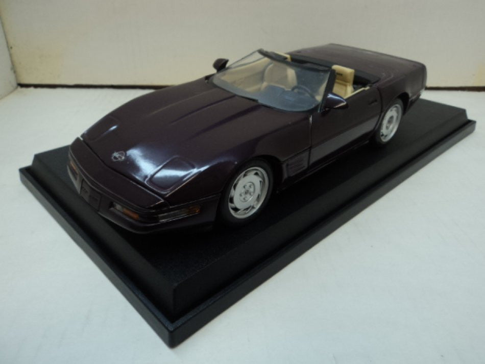 Chevrolet Corvette Convertible Maisto 1/18