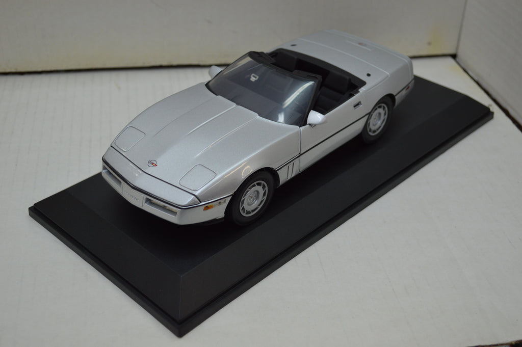 Chevrolet Corvette Convertible 1986 Greenlight 1/18