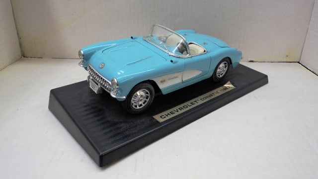 Chevrolet Corvette 1957 Road Tough 1/18