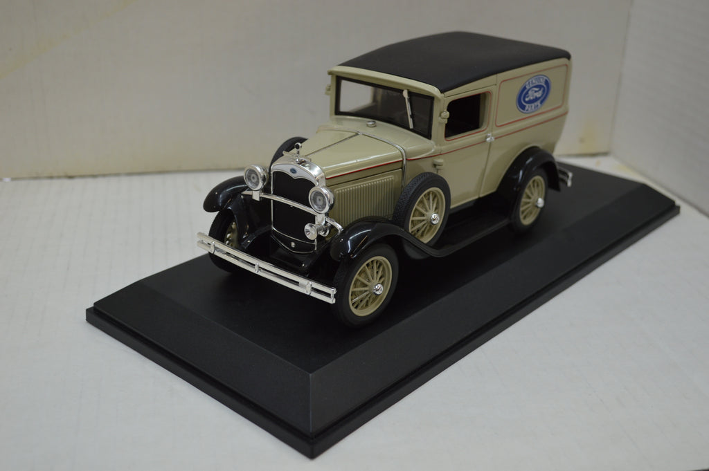 Ford Panel Delivery Truck 1931 Signature Models 1/18