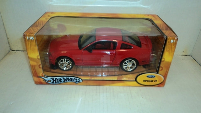 Ford Mustang GT Coupe 2005 HotWheels 1/18