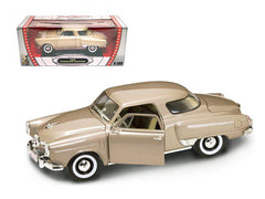 Studebaker Champion 1950 Lucky Die Cast Road Signature 1/18