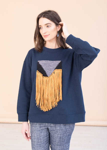 Sweatshirt with weaving patch. Daniela Salazar + Mo&Mum