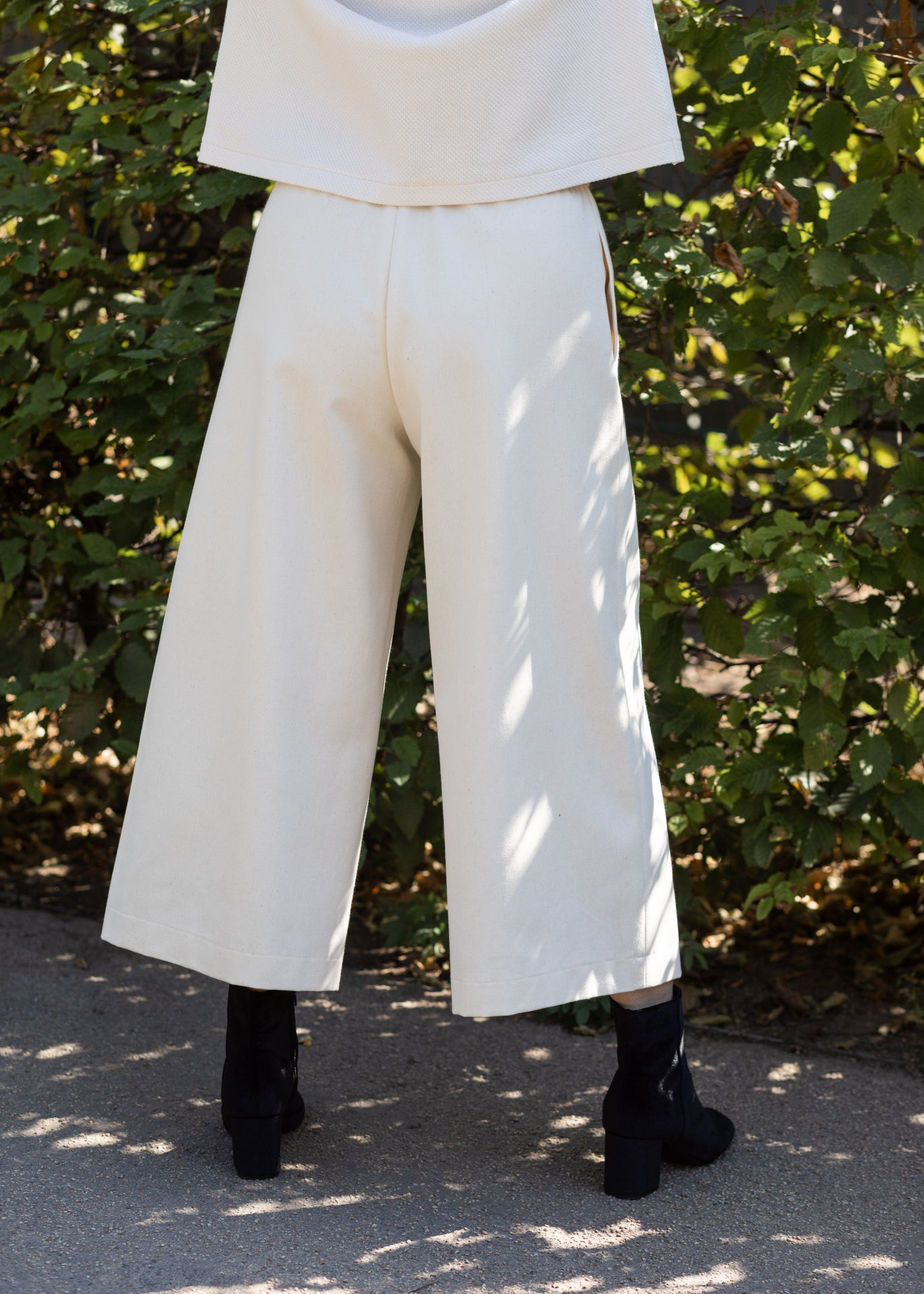 Triadic II – Wide-leg Pants in Ecru