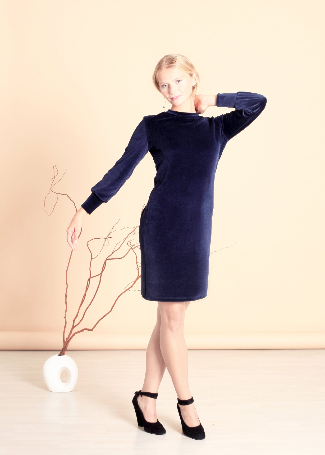 Tana - Sweater Dress in Navy Velour