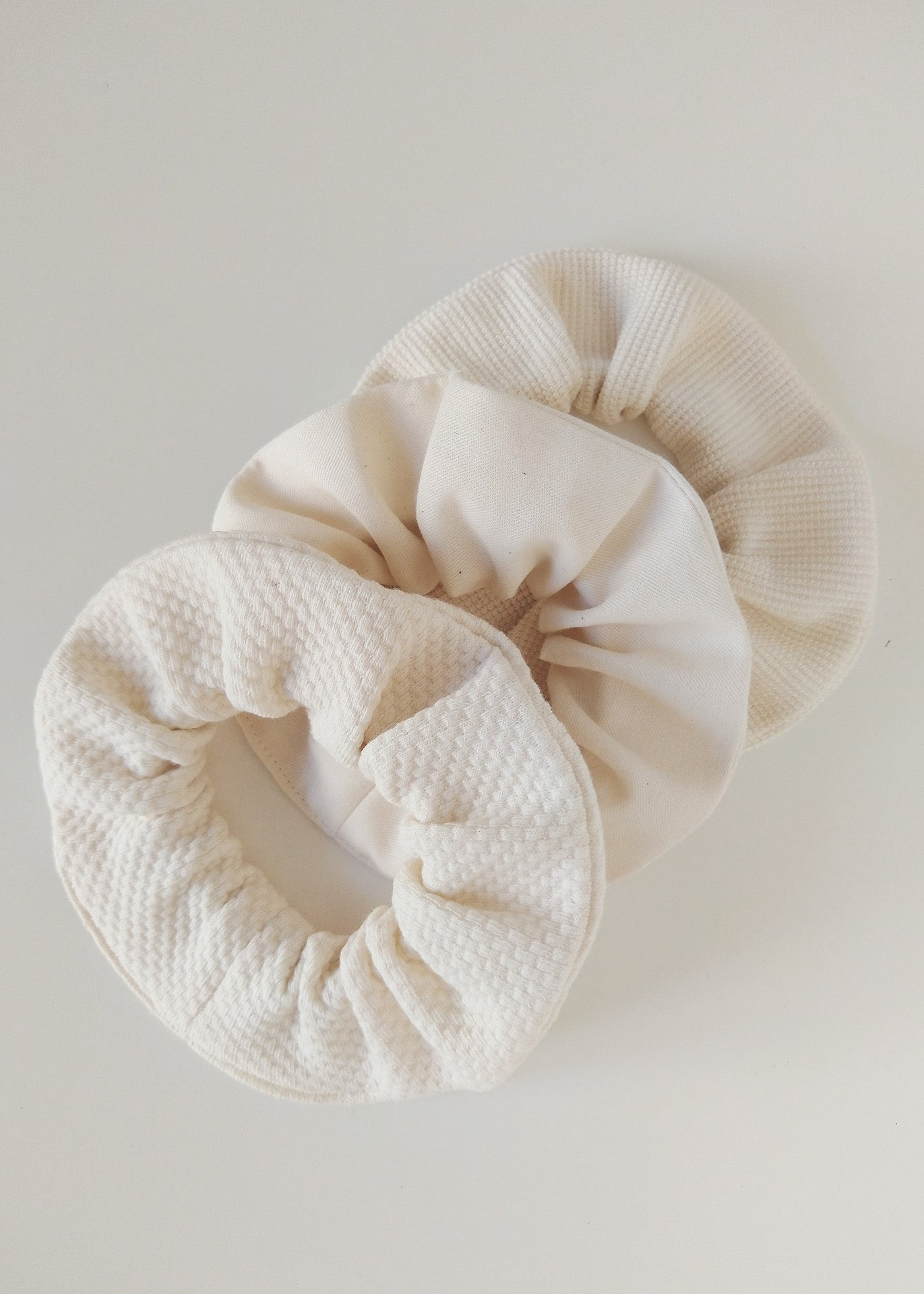 Neva – Scrunchie Set of 3