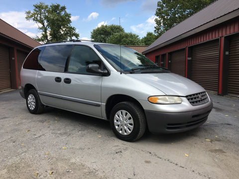 2000 Plymouth Voyager Van