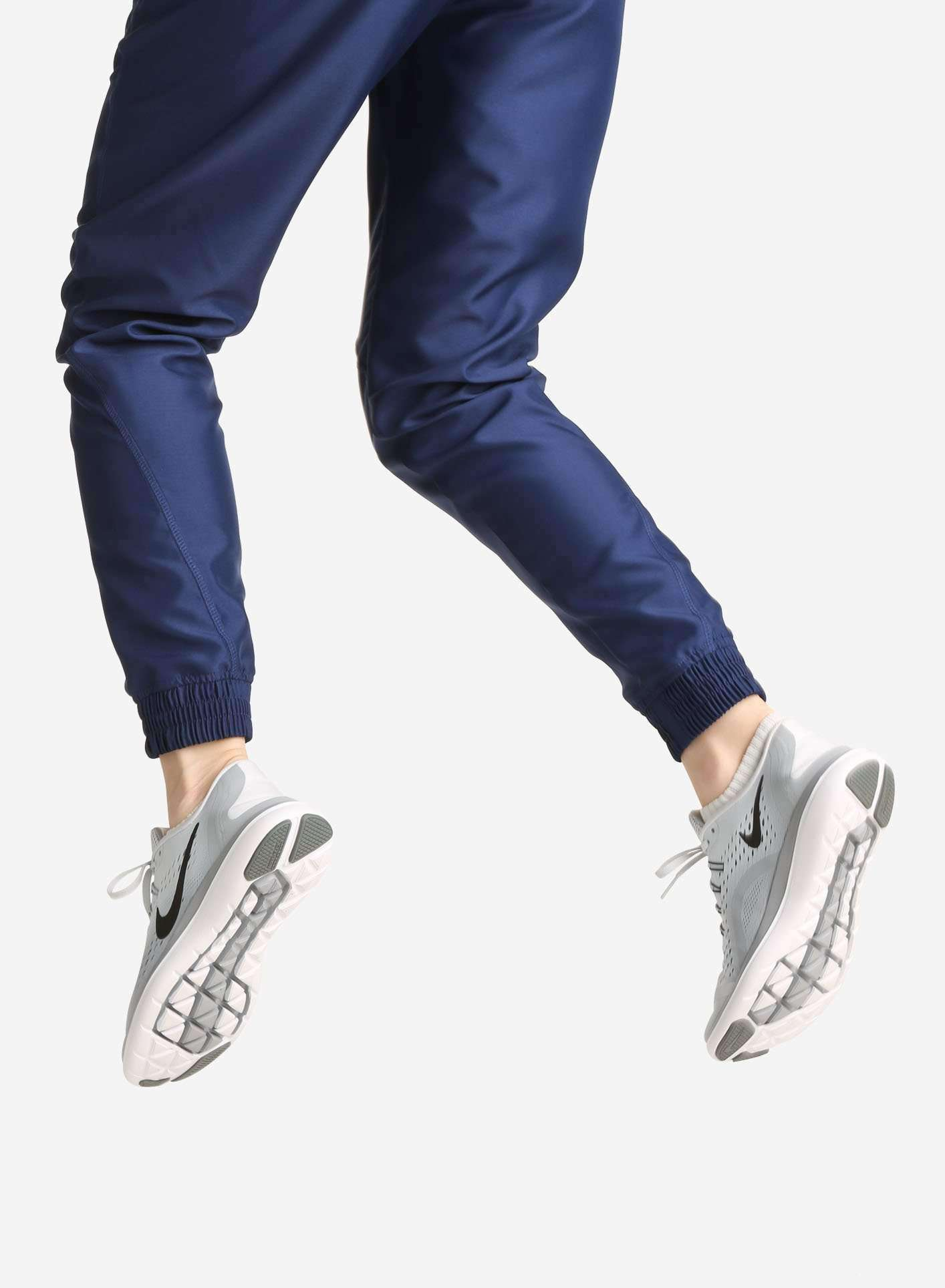 Women's Jogger Scrub Pants in Navy Ankle Cuff View