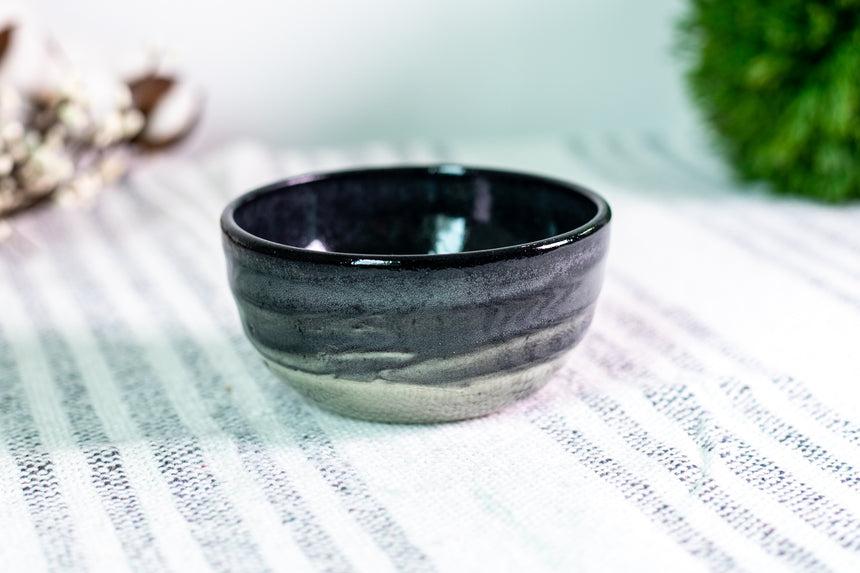 Black Gradient Swirl dipping bowl