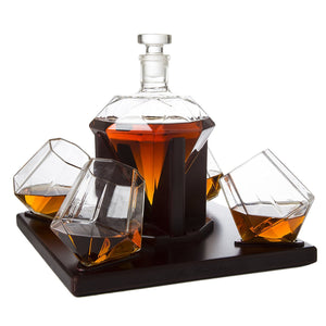 Diamond decanter set with 4 glasses