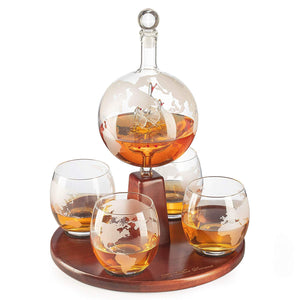Standing Globe decanter with 4 glasses