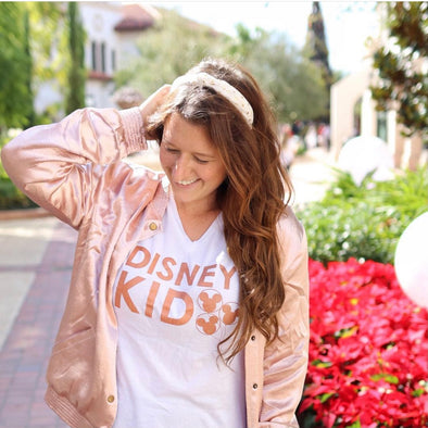 Disney Kid Ladies Flowy V, Rose Gold on White