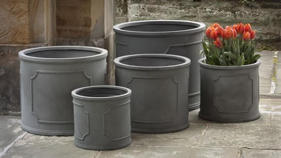 Campania International Polyethylene XSm Portsmouth Rnd Pltr Urn/Planter Campania International