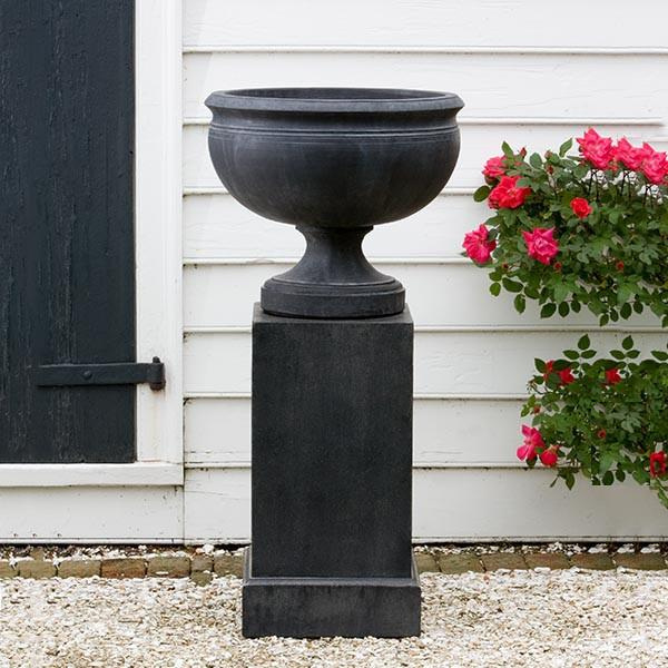 Campania International Cast Stone Williamsburg Plantation Urn Urn/Planter Campania International