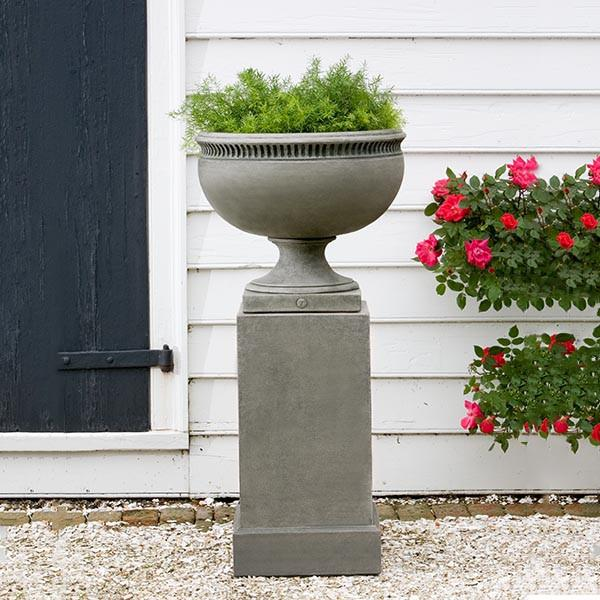 Campania International Cast Stone Williamsburg Tayloe House Urn Urn/Planter Campania International