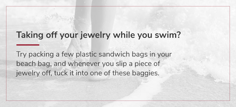 use sandwich bags to store jewelry