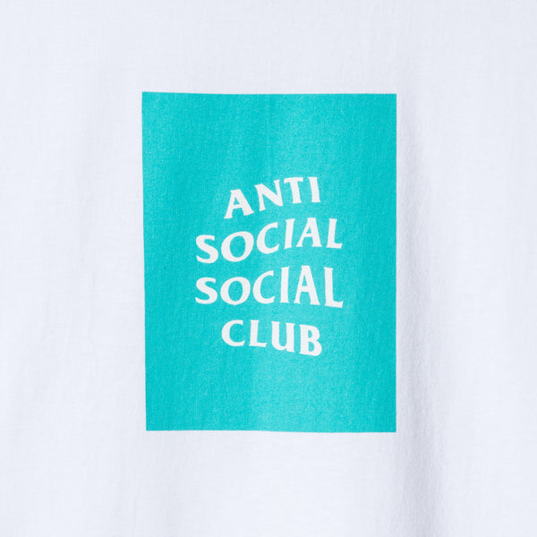 THE CLUB TEE WHITE W/ TIFFANY