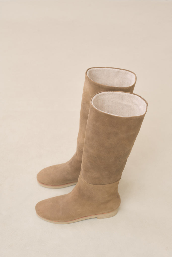 TALL LINED BOOT - hover image
