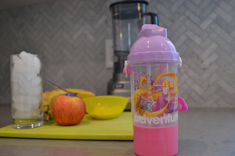 Smoothie preparation and Rapunzel Canteen