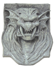 lion-head-plaque