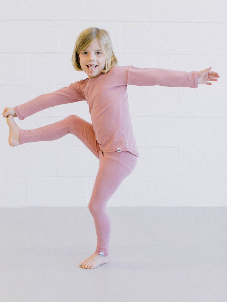 "pink, gender neutral colors, fitted body t-shirt, soft jersey fabric. Sizes, baby, toddler, big kid, 6 mo 12 mo 1 yr 2 yr 3yr 4yr 5yr 6yr 7yr 8yr old. Ethically + sustainably made in  California, USA. long in back, Leggings w/ 1"" elastic"