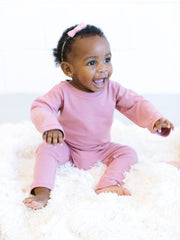 pink, gender neutral colors, fitted body t-shirt, soft jersey fabric. Sizes, baby, toddler, big kid, 6 mo 12 mo 1 yr 2 yr 3yr 4yr 5yr 6yr 7yr 8yr old. Ethically + sustainably made in  California, USA. long in back, African American Baby Girl