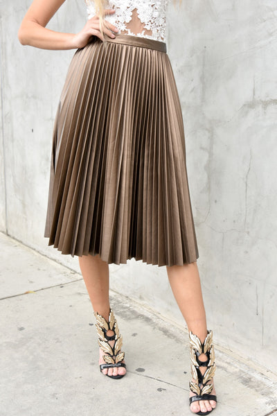 Closet London <br> Faux Leather Pleated Skirt
