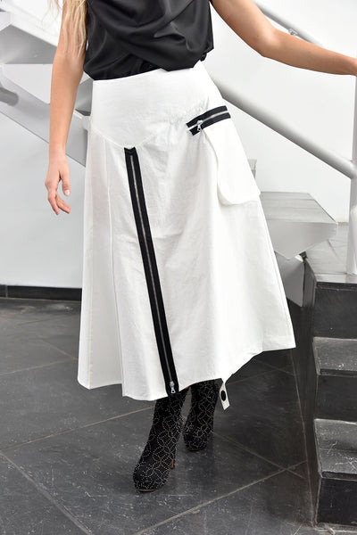 NY77 Design <br> White Front-Zip Skirt