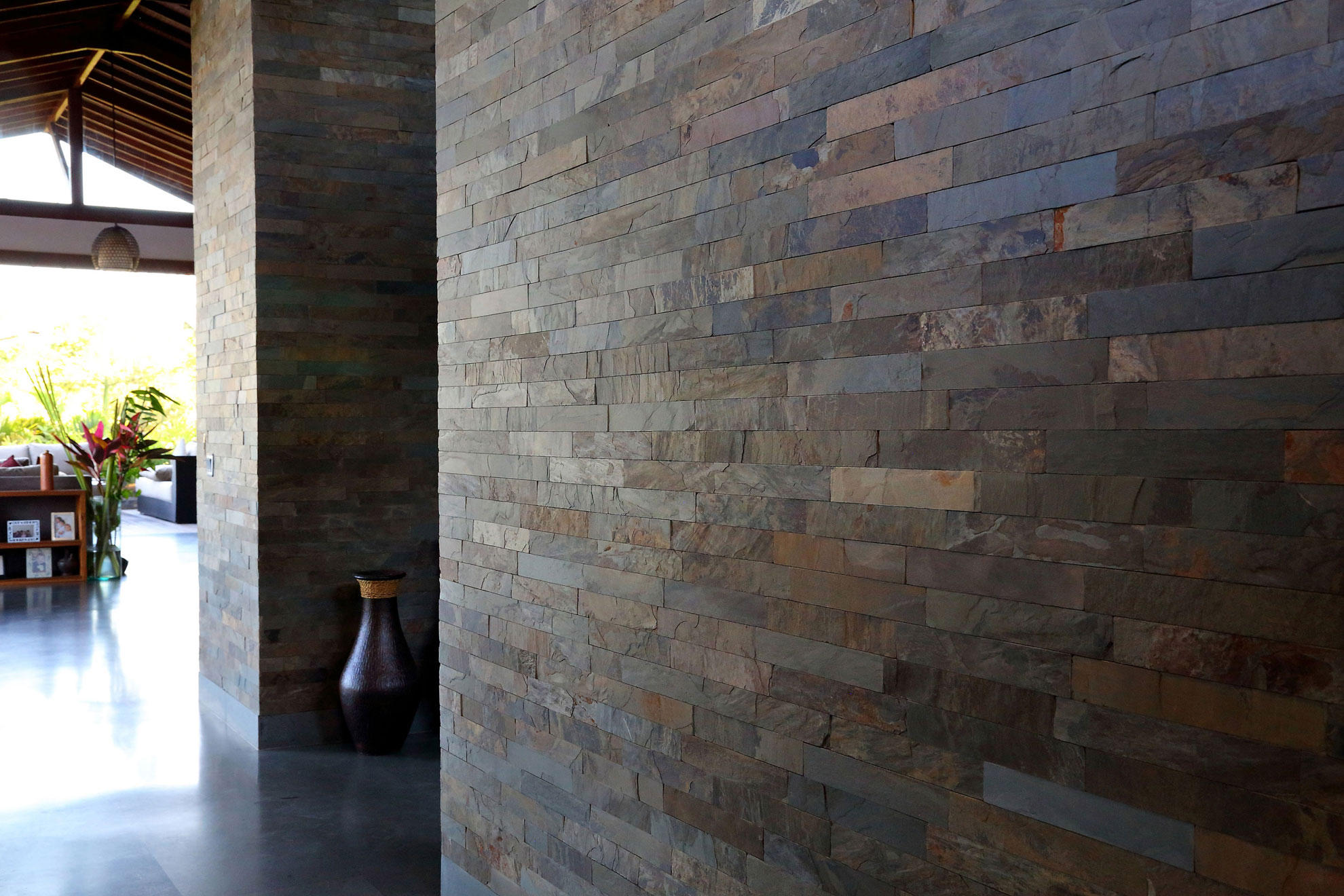 GOLDEN SLATE, STRIP TILE - Island, Cladding Series
