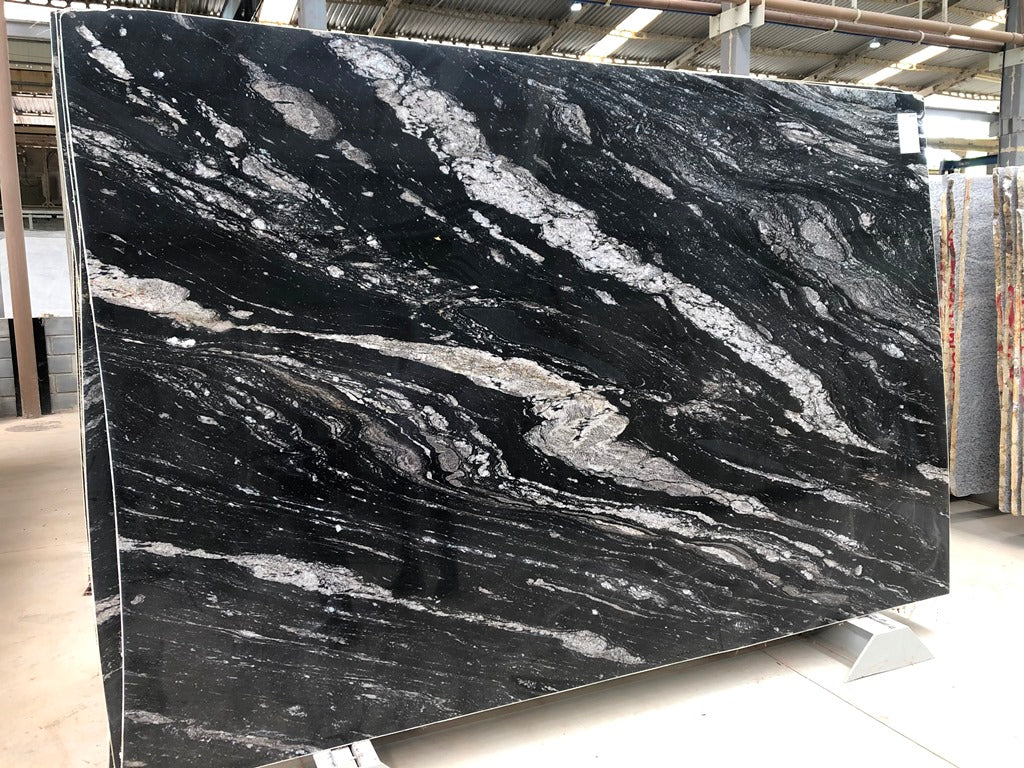 ARCTIC NIGHT Granite - Slab Series