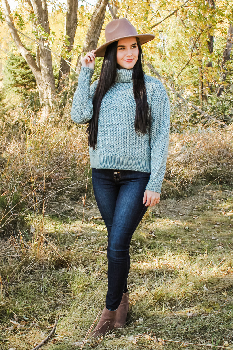 Libby Turtle Neck Sweater Lt Green