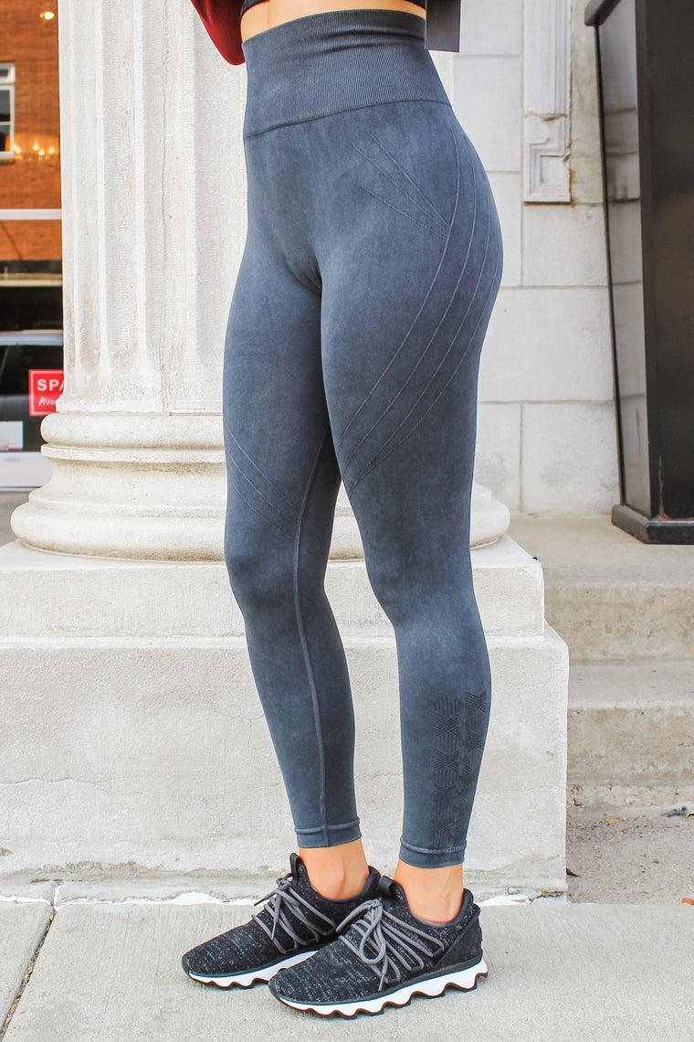 Raven Mineral Wash Leggings Black