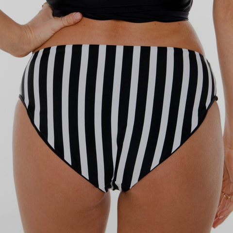 Low Rise Bottom Reversible Black & White