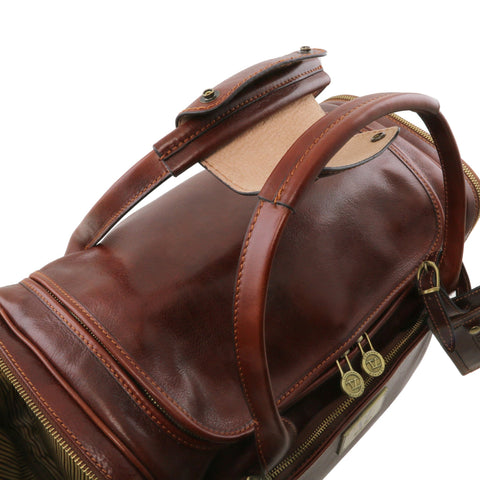 VOYAGER Travel leather bag with side pockets - Small size TL141441 - Executive Leather