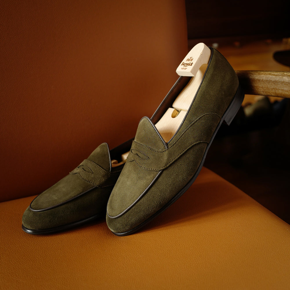 4952 Penny Loafers in Moss Green