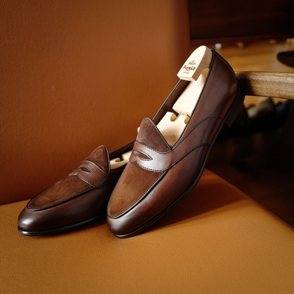 4952 Two Tone Penny Loafers in Snuff Brown