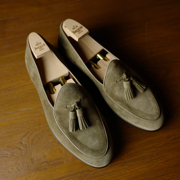4951 Tassel Loafers in Sand Suede