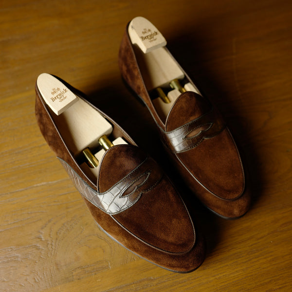 4952 Croco Penny Loafers in Polo Brown