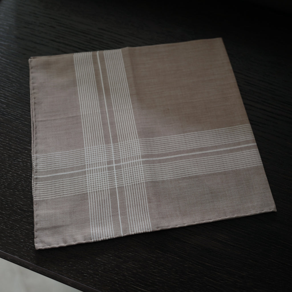 8059 Pocket Square in Tobacco