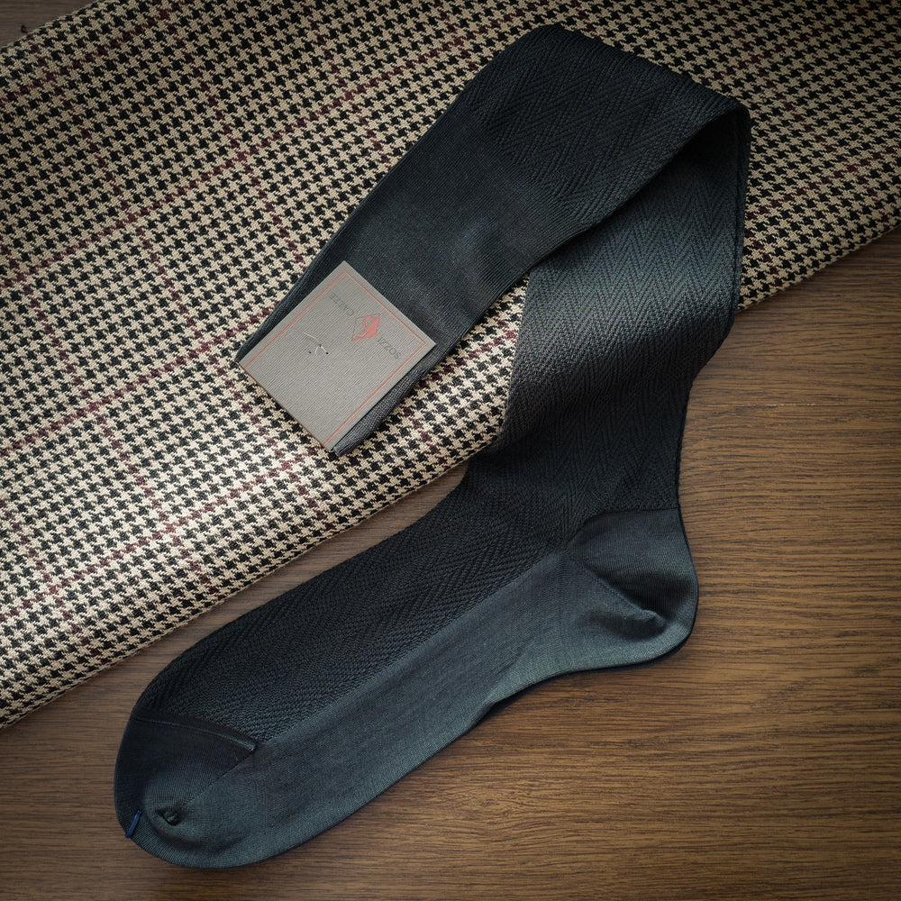 Grey Cotton over-the-calf Socks with Herringbone Pattern